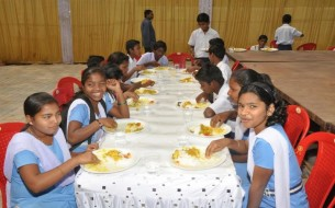 Students Relish The Tasty Nutritious Mid Day Meal